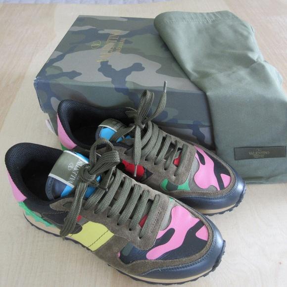 ae67265a4a7 Valentino Garavani Psychedelic Camo Sneakers. M 5ae8d7165521be3dd305f89a